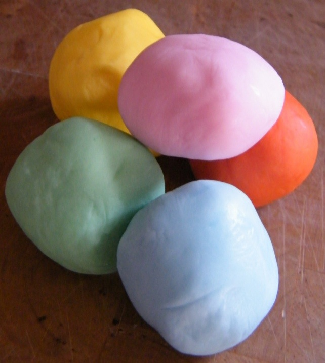 Coloured icing balls