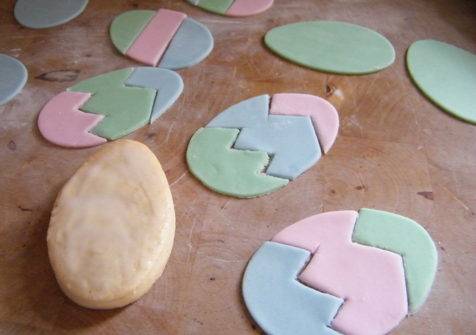 Icing Easter biscuits