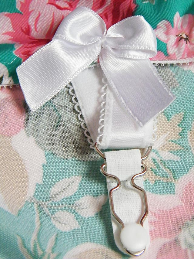 Rose Girdle Clip Detail