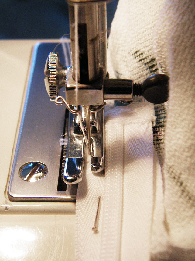 Sewing zip end in