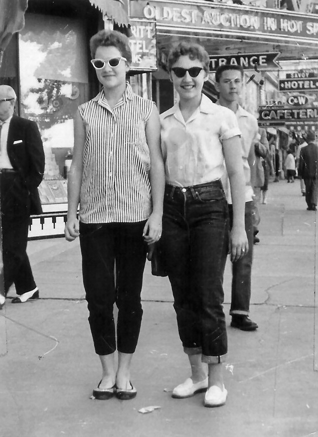 How Trousers Evolved In 20th Century Women's Fashion