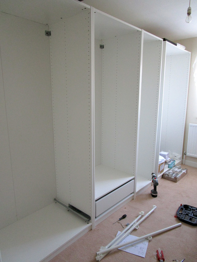 Building walk-in wardrobe