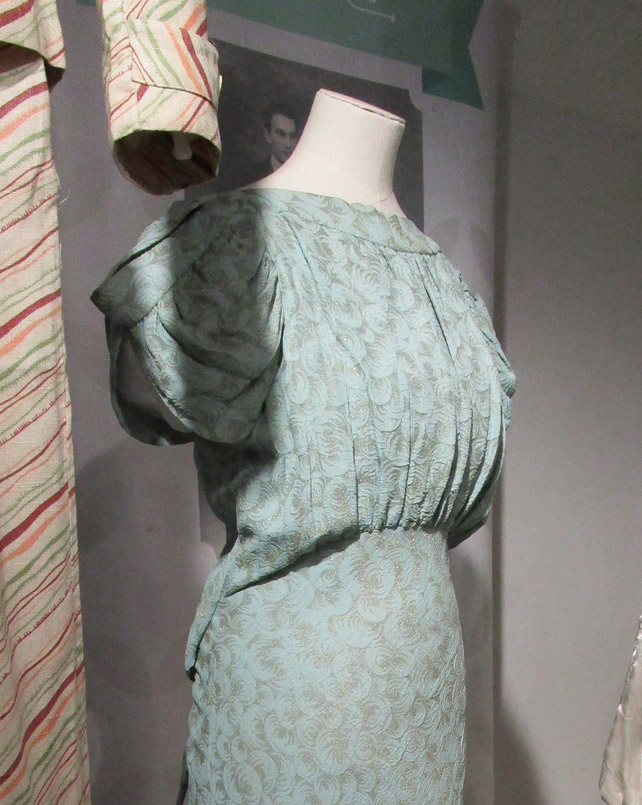 1930s dress sleeve detail