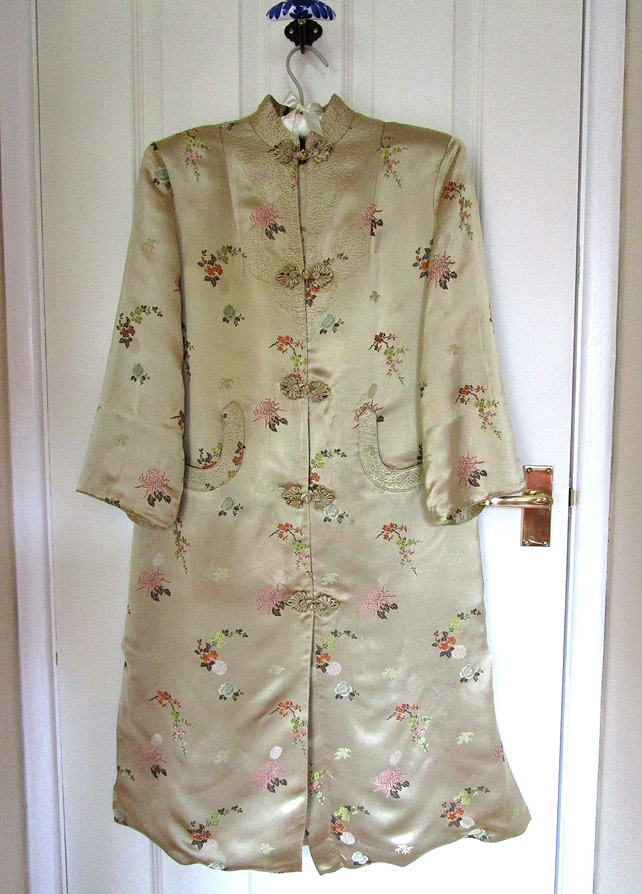 Chinese dressing gown