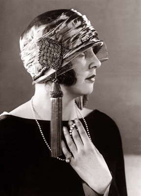 Cloche with large tassle
