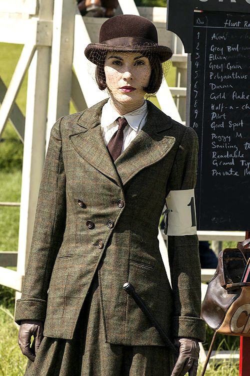 Lady Mary 1920s horse riding outfit