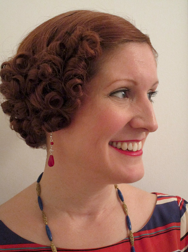 1930s hairstyle from the side