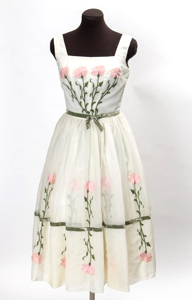 1950s embroidered dress