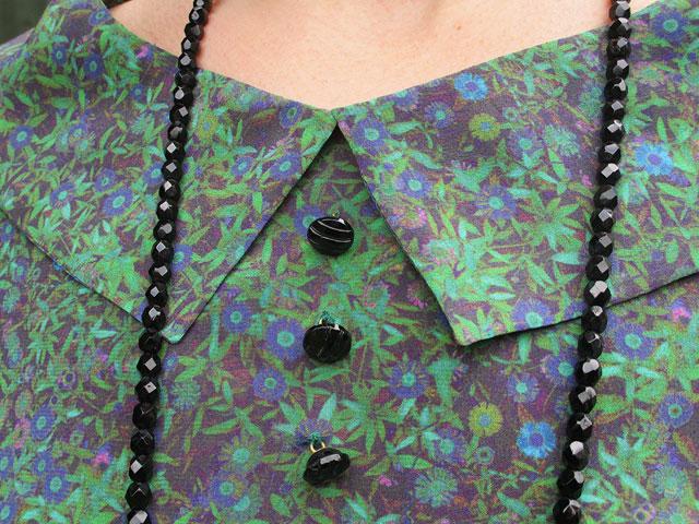 Pre Raphaelite silk fabric collar