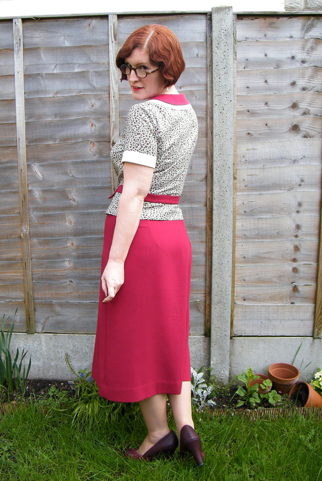 1930s burgundy outfit back