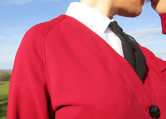 Raglan sleeve detail