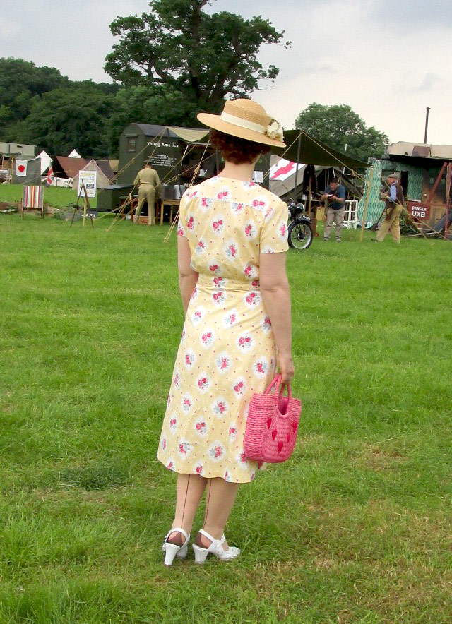 1930s summer dress back
