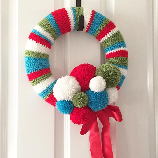 Crochet & pom pom Christmas wreath