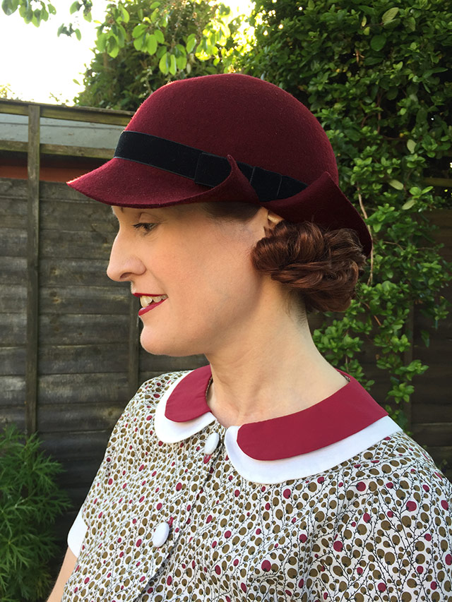 burgundy late 1930s hat - side