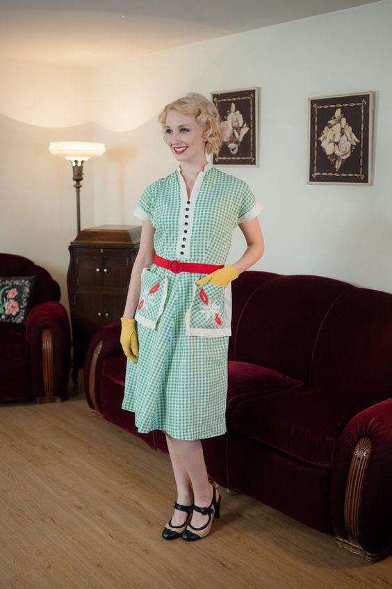 1930s green gingham dress