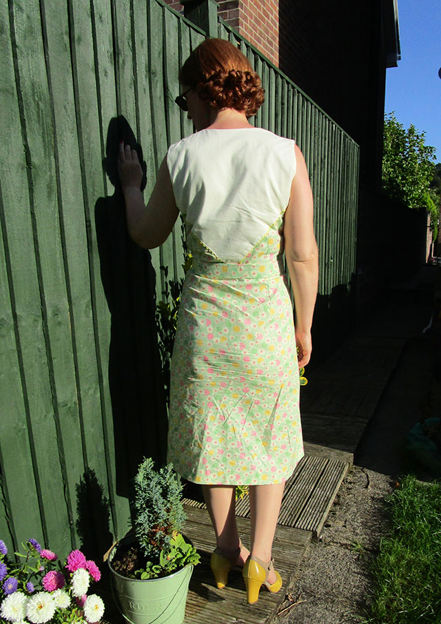 1930s feedsack print dress - back