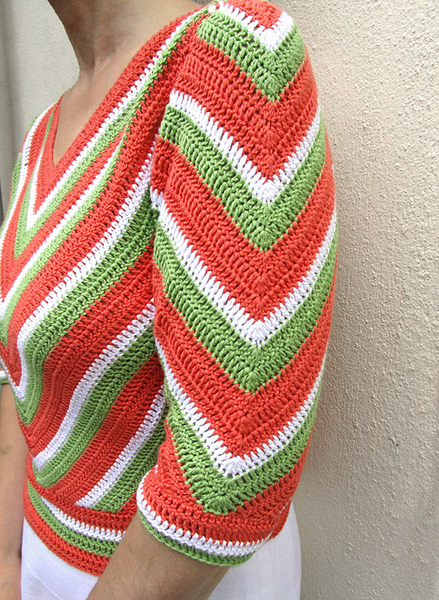 1940s chevron striped crochet jumper