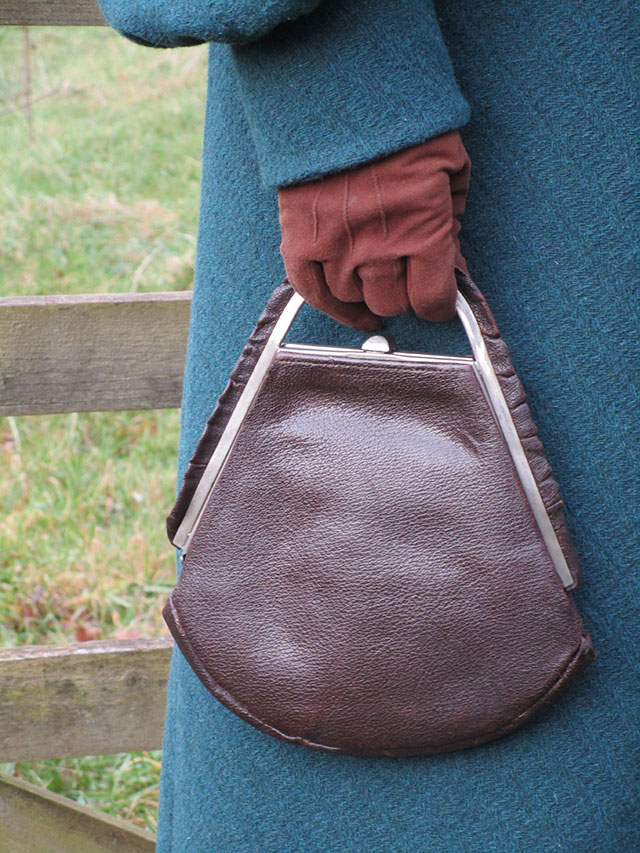 1930s brown leather handbag