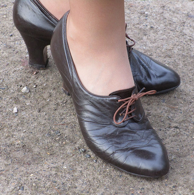 1930s brown leather shoes